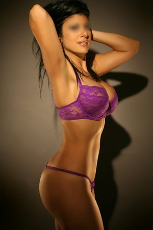 Chaddia submissive escorts Toronto, ON