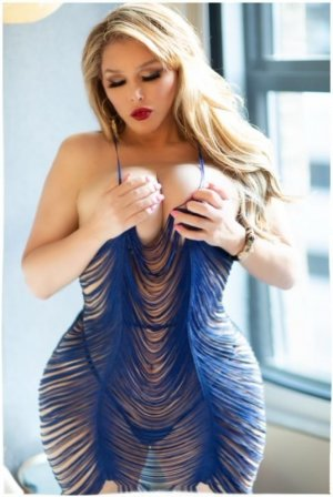 Melodie chubby escorts in Forestville, OH